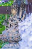 Άγαλμα Hydrangea και budda Στοκ εικόνες με δικαίωμα ελεύθερης χρήσης