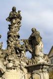 Άγαλμα Madonna και του ST Bernard στη γέφυρα του Charles στην Πράγα Στοκ Εικόνες