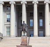Άγαλμα Washington DC του Αλεξάνδρου Χάμιλτον αμερικανικού Υπουργείου Θησαυροφυλακίου Στοκ φωτογραφία με δικαίωμα ελεύθερης χρήσης