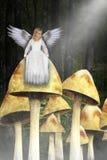 Άγγελος νέων κοριτσιών, μαγικό δάσος, ξύλα, μανιτάρια Στοκ φωτογραφία με δικαίωμα ελεύθερης χρήσης