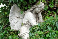 Άγγελος σε ένα νεκροταφείο Στοκ φωτογραφία με δικαίωμα ελεύθερης χρήσης