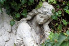 Άγγελος σε ένα νεκροταφείο Στοκ Εικόνες
