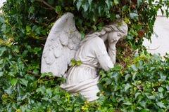 Άγγελος σε ένα νεκροταφείο Στοκ Φωτογραφία
