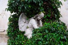 Άγγελος σε ένα νεκροταφείο Στοκ εικόνα με δικαίωμα ελεύθερης χρήσης