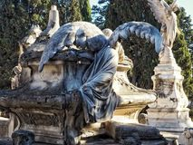 Άγγελος στον τάφο στοκ φωτογραφίες με δικαίωμα ελεύθερης χρήσης