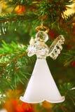 Άγγελος στο χριστουγεννιάτικο δέντρο Στοκ Εικόνα