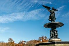Άγγελος του αγάλματος νερών Στοκ Εικόνες