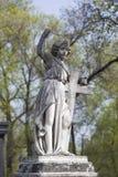 Άγγελος και διαγώνιο μνημείο Στοκ Φωτογραφίες