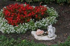 Άγγελος και προσευχή καρδιών Στοκ εικόνα με δικαίωμα ελεύθερης χρήσης