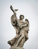 Άγγελος και σταυρός Sant Angelo Ponte Στοκ Φωτογραφίες