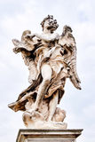 Άγγελος με το άγαλμα Superscription στη γέφυρα Ponte Sant Angelo Στοκ φωτογραφίες με δικαίωμα ελεύθερης χρήσης