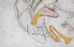 Άγγελος που παίζει τη σάλπιγγα, μεσαιωνική τοίχος-ζωγραφική Στοκ εικόνα με δικαίωμα ελεύθερης χρήσης