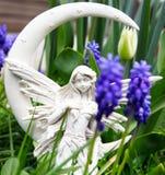 Άγγελος της Misty νεραιδών την άνοιξη Στοκ φωτογραφία με δικαίωμα ελεύθερης χρήσης