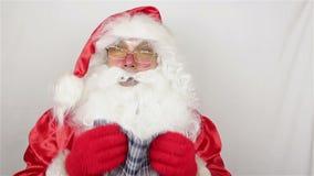 Άγιος Βασίλης έχει πιάσει ένα κρύο και φτερνίζεται απόθεμα βίντεο