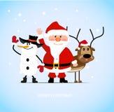 Άγιος Βασίλης με ένα εύθυμο ελάφι και έναν χιονάνθρωπο ελεύθερη απεικόνιση δικαιώματος