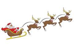 Άγιος Βασίλης σε ένα έλκηθρο με ένα ελάφι που απομονώνεται στο άσπρο υπόβαθρο απεικόνιση αποθεμάτων