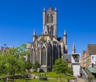 Άγιος Βασίλης Churcholdest και τα περισσότερα προεξέχοντα ορόσημα στη Γάνδη, Βέλγιο Στοκ φωτογραφίες με δικαίωμα ελεύθερης χρήσης