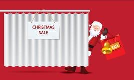 Άγιος Βασίλης με τη μεγάλη τσάντα εγγράφου πώλησης πίσω από την κουρτίνα Στοκ Εικόνες