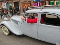 Άγιος Βασίλης σε μια Rolls-$l*royce Στοκ Φωτογραφία