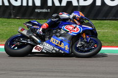 Άγιος Μαρίνος Ιταλία - 12 Μαΐου: Επίσημη ομάδα SBK Rizla του Michael van der Mark NED Yamaha YZF R1 Pata Yamaha, στη δράση Στοκ φωτογραφίες με δικαίωμα ελεύθερης χρήσης