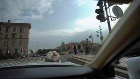 Άγιος-Πετρούπολη, Ρωσία - 17 Αυγούστου 2017: οδήγηση αυτοκινήτων σε μια πόλη απόθεμα βίντεο