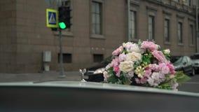 Άγιος-Πετρούπολη, Ρωσία - 17 Αυγούστου 2017: Οδήγηση αυτοκινήτων Rolls-$l*royce φιλμ μικρού μήκους