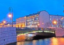 Άγιος-Πετρούπολη Ρωσία Γέφυρα των φαναριών Στοκ Εικόνες