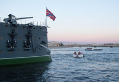 Άγιος Πετρούπολη, Ρωσία στις 8 Σεπτεμβρίου 2016: Πυροβόλο όπλο Forecastle της αυγής ταχύπλοων σκαφών στην Άγιος-Πετρούπολη, Ρωσία Στοκ Εικόνες