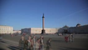 Άγιος Πετρούπολη, τετράγωνο παλατιών, στήλη του Αλεξάνδρου και το ερημητήριο απόθεμα βίντεο