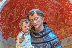 Άγιος Anthony με το άγαλμα παιδιών Στοκ Εικόνες