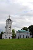 Άγιος George ο νικηφορόρος πύργος εκκλησιών και κουδουνιών Στοκ Εικόνες