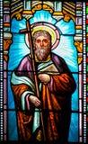 Άγιος Philip ο απόστολος - λεκιασμένο γυαλί στην εκκλησία του Αντίμπες στοκ εικόνα