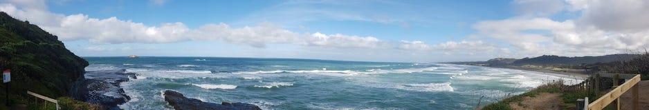 Άγρια άσπρα δυτικά κύματα πανοραμικά Στοκ εικόνα με δικαίωμα ελεύθερης χρήσης