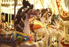 Άγρια άλογα ιπποδρομίων τη νύχτα Στοκ Εικόνα