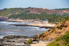 Άγρια ακτή κοντά στο χωριό Anjuna, Goa Στοκ Εικόνα