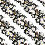 Άγρια εξωτικά πουλιά Watercolor στο άνευ ραφής σχέδιο λουλουδιών στο άσπρο υπόβαθρο Στοκ Εικόνες
