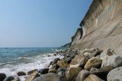 Άγρια παραλία ακτών Στοκ Φωτογραφίες