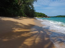 Άγρια παραλία σε Phuket Στοκ Φωτογραφίες