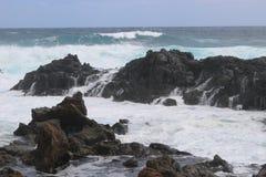 Άγρια σπάζοντας κύματα στη Ανατολική Ακτή Lanzarote Στοκ εικόνες με δικαίωμα ελεύθερης χρήσης