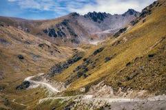 Άγρια φυσική άποψη που αναρριχείται στην αξιοπρόσεκτη περιοχή σκι στοκ εικόνα