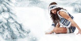 άγρια χειμερινή γυναίκα στοκ φωτογραφία
