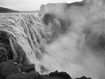 Άγριος καταρράκτης στην Ισλανδία Στοκ φωτογραφία με δικαίωμα ελεύθερης χρήσης