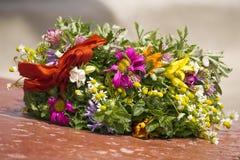 άγριο στεφάνι λουλουδ&io Στοκ Εικόνα