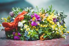 άγριο στεφάνι λουλουδ&io Στοκ εικόνες με δικαίωμα ελεύθερης χρήσης