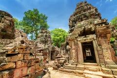Άδυτο και καταστροφές του αρχαίου ναού SOM TA σε Angkor, Καμπότζη Στοκ Εικόνες