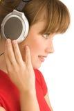 Άκουσμα τη μουσική στοκ φωτογραφίες