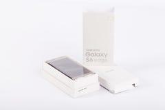 Άκρη γαλαξιών της Samsung S6 Χρυσός λευκόχρυσος Στοκ εικόνες με δικαίωμα ελεύθερης χρήσης