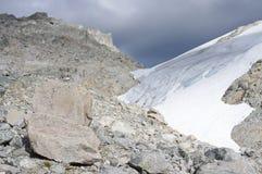 Άκρη του παγετώνα και των λίθων Στοκ Εικόνα