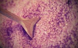 Άλατα λουτρών με lavender τη μυρωδιά για στη SPA ομορφιάς Στοκ φωτογραφία με δικαίωμα ελεύθερης χρήσης