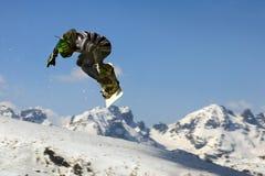 άλμα snowboarder Στοκ Εικόνα